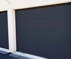 Porte de garage motoris e lames enroulables ou - Porte de garage enroulable grande largeur ...