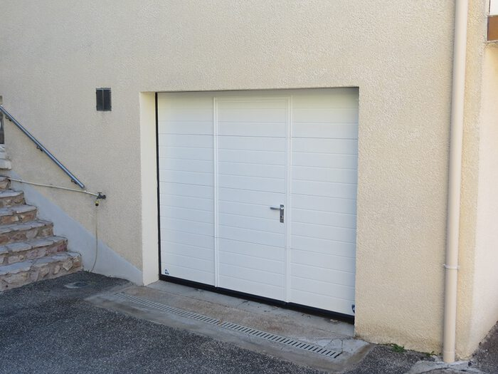porte-garage-lame-blanche-2