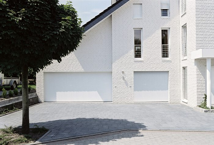 porte-garage-lame-blanche-4